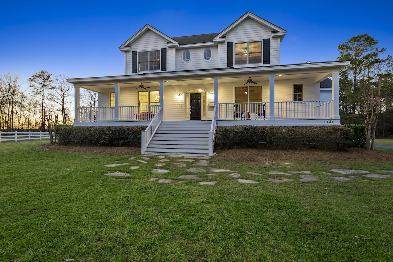 6444 Farm House Road Ravenel, SC 29470