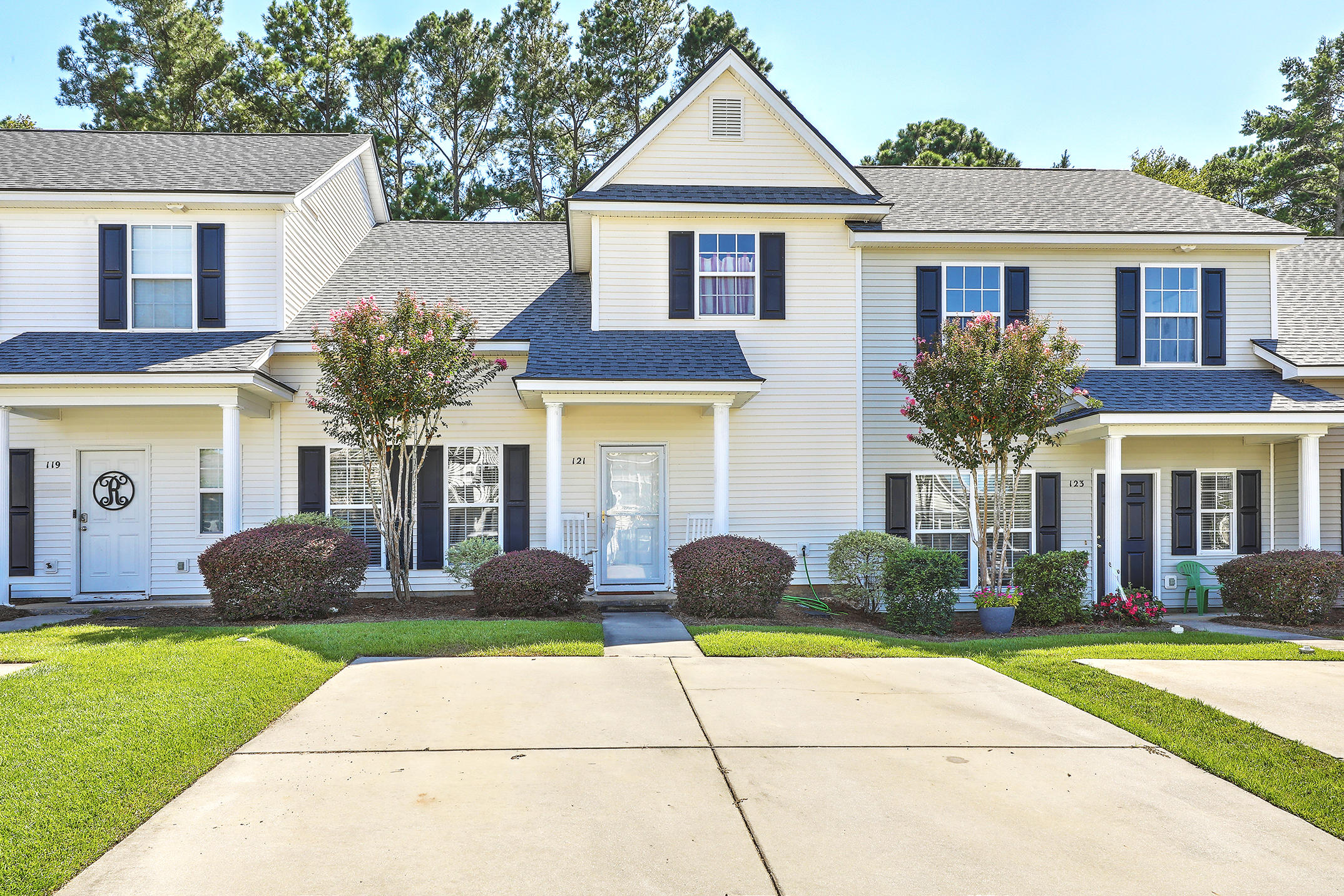 121 Lynches River Drive Summerville, SC 29485