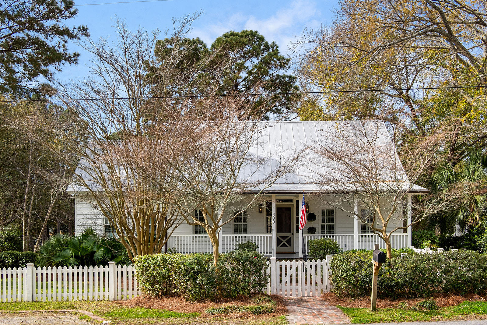 609 Royall Avenue Mount Pleasant, SC 29464