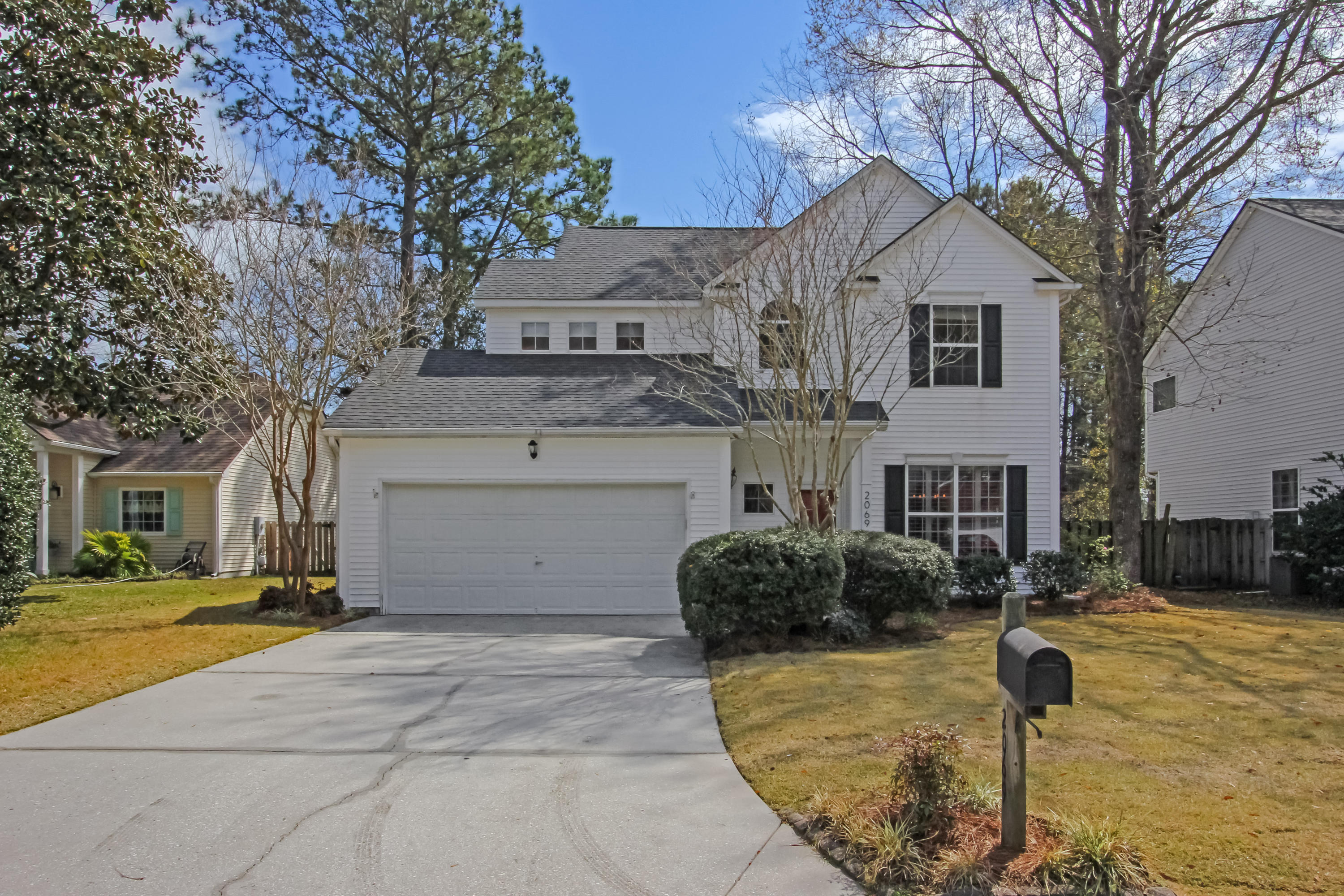 2069 Country Manor Drive Mount Pleasant, SC 29466