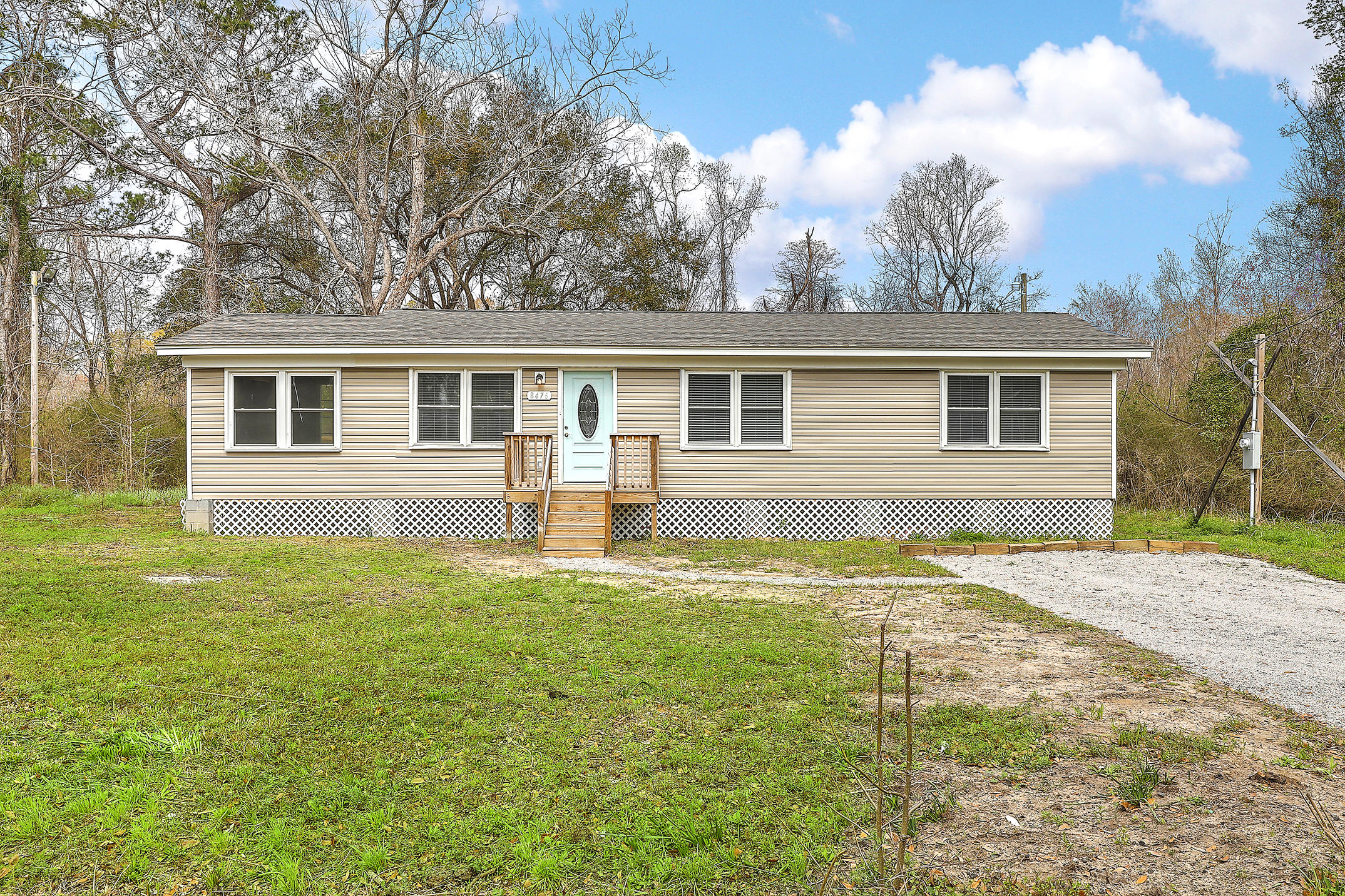 8476 Old Georgetown Road Mcclellanville, SC 29458