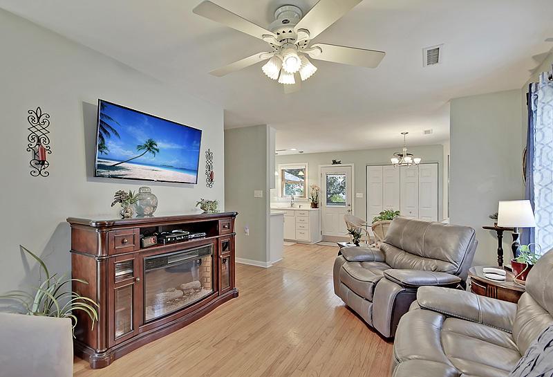 Old Mt Pleasant Homes For Sale - 827 Mccants, Mount Pleasant, SC - 15