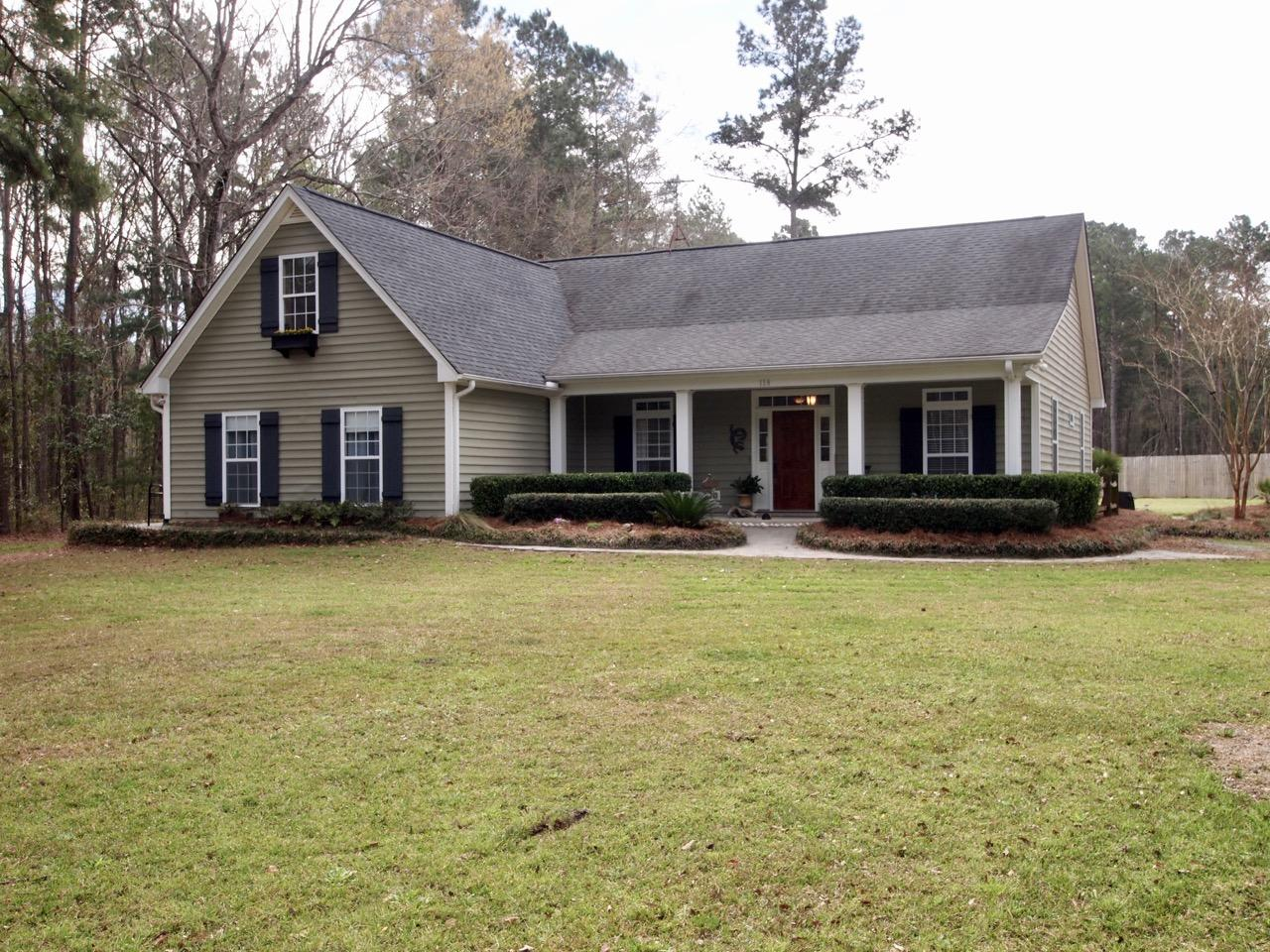 118 Low Country Ln. Ravenel, SC 29470