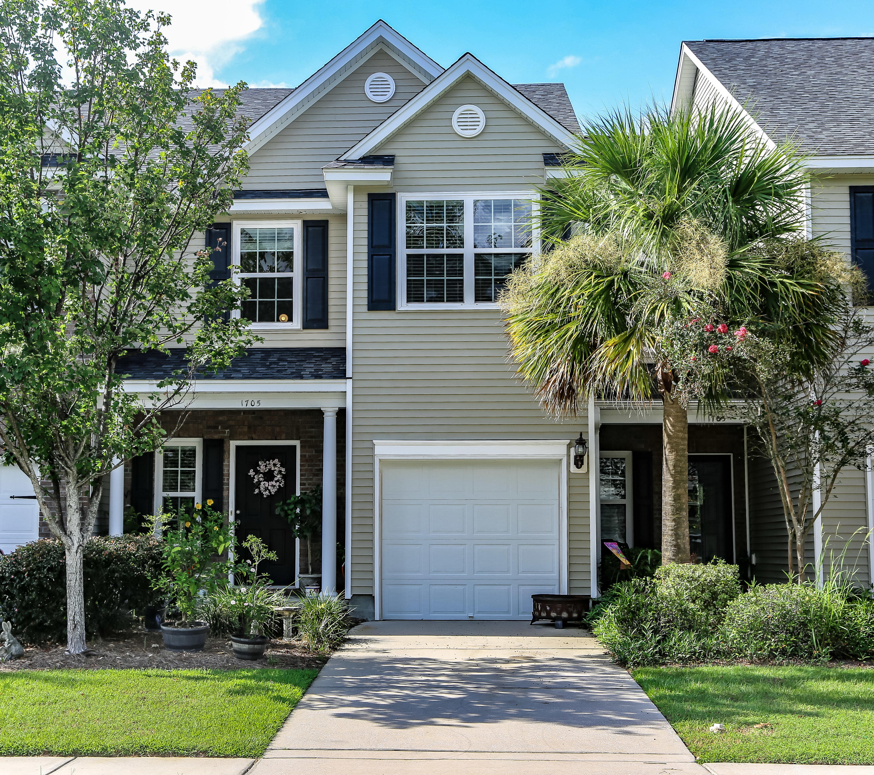 1705 Restoration Court Charleston, SC 29414