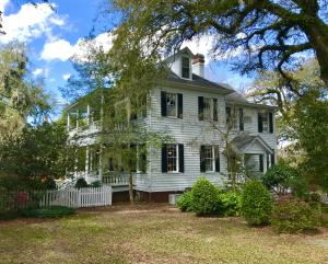 Property for sale at 205 Sumter Avenue, Summerville,  South Carolina 29483