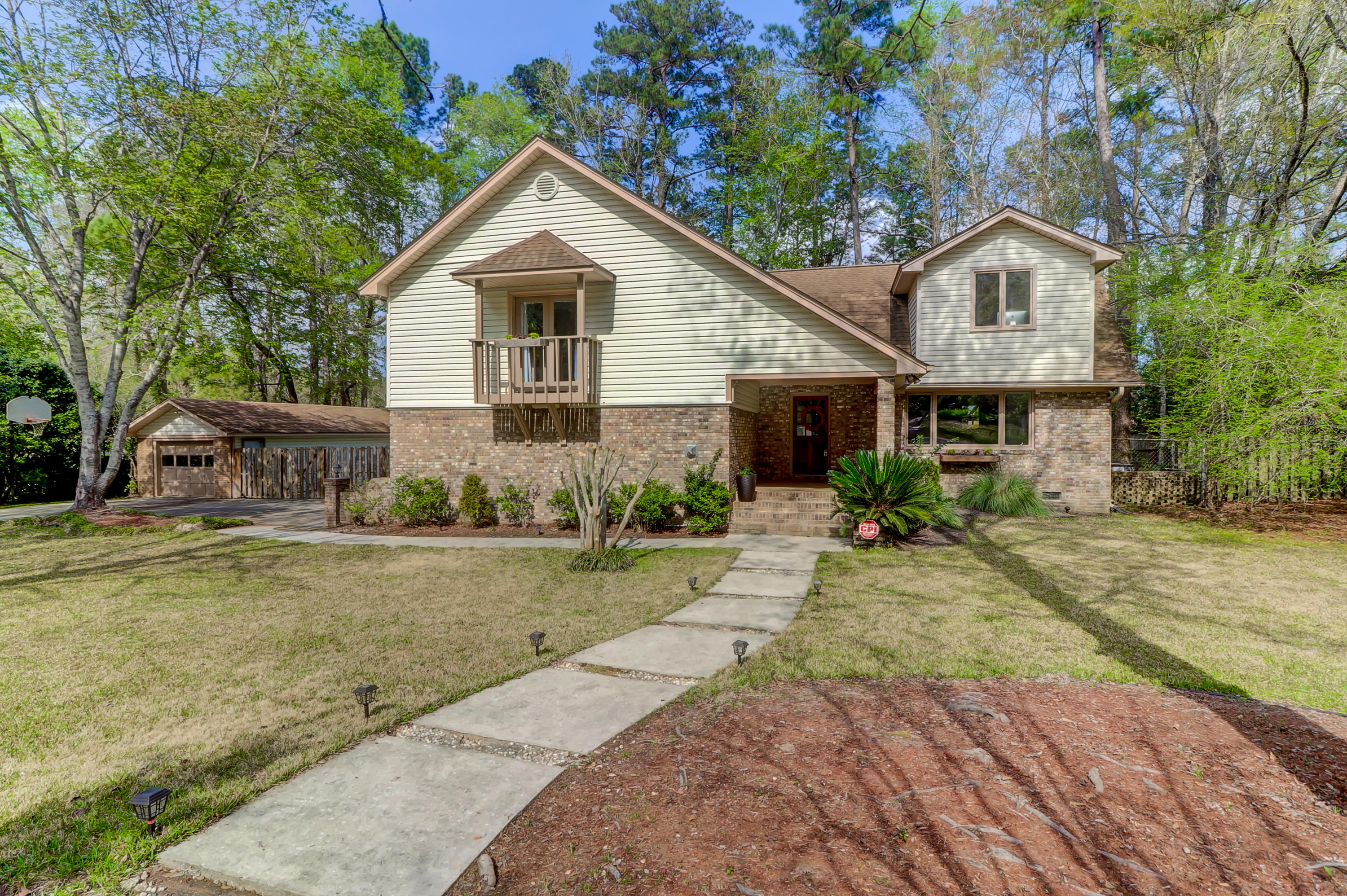 93 King Charles Circle Summerville, SC 29485