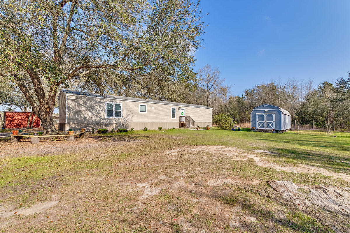 189 Indian Oak Lane Cottageville, SC 29435