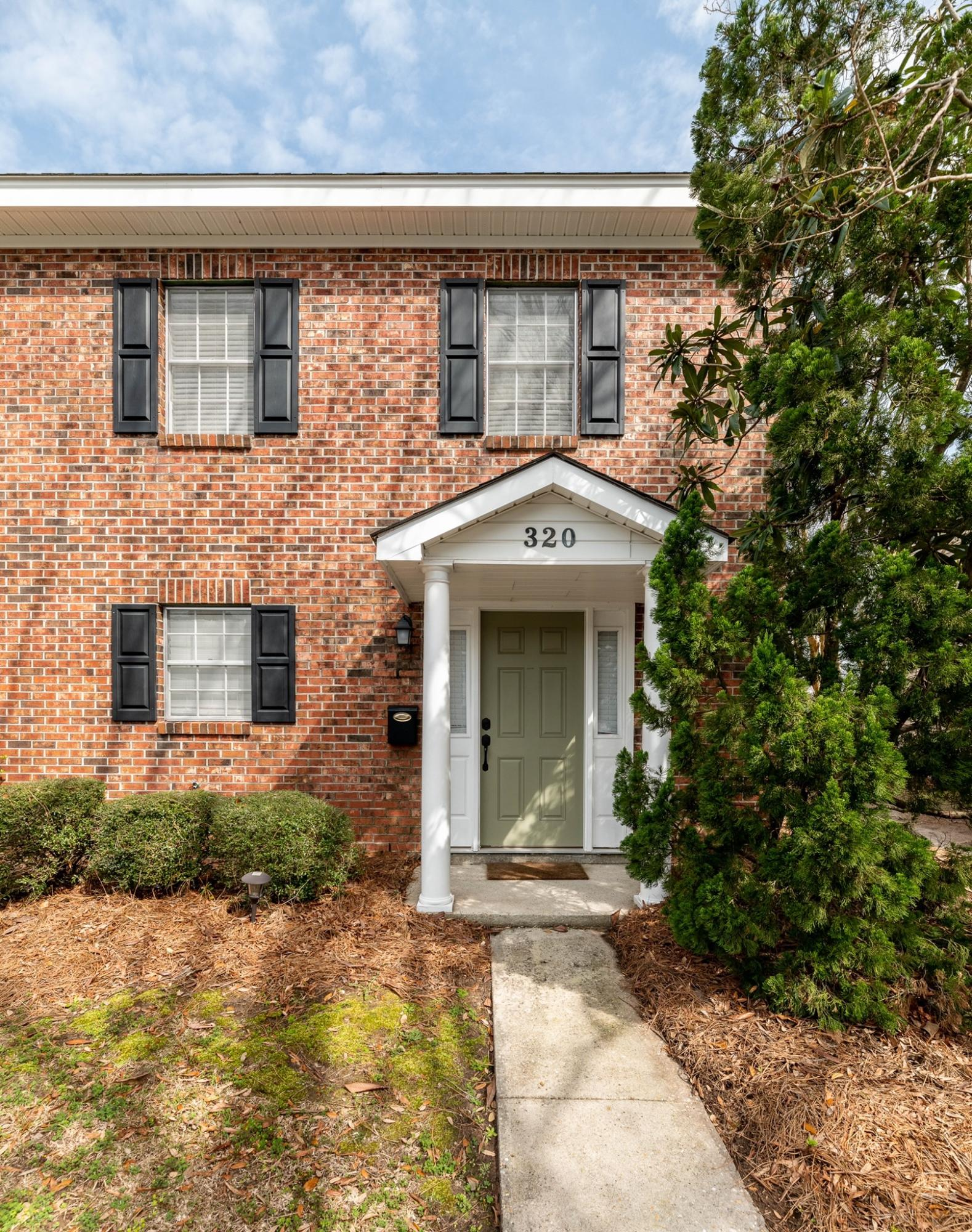 320 Lakeside Drive UNIT E-1 Mount Pleasant, SC 29464