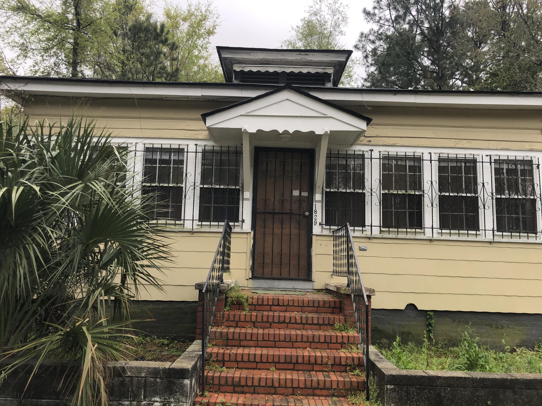 1829 Leland Street North Charleston, SC 29405