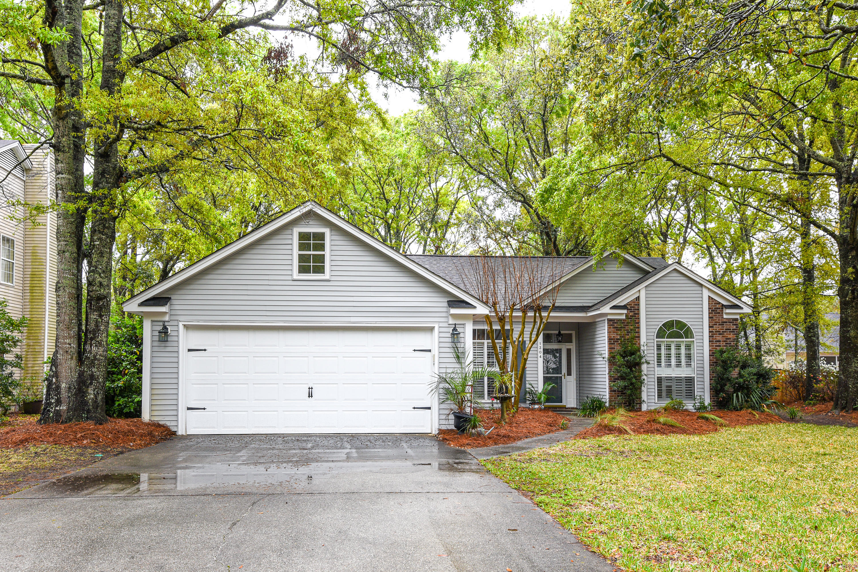1304 Old Mill Lane Mount Pleasant, SC 29464