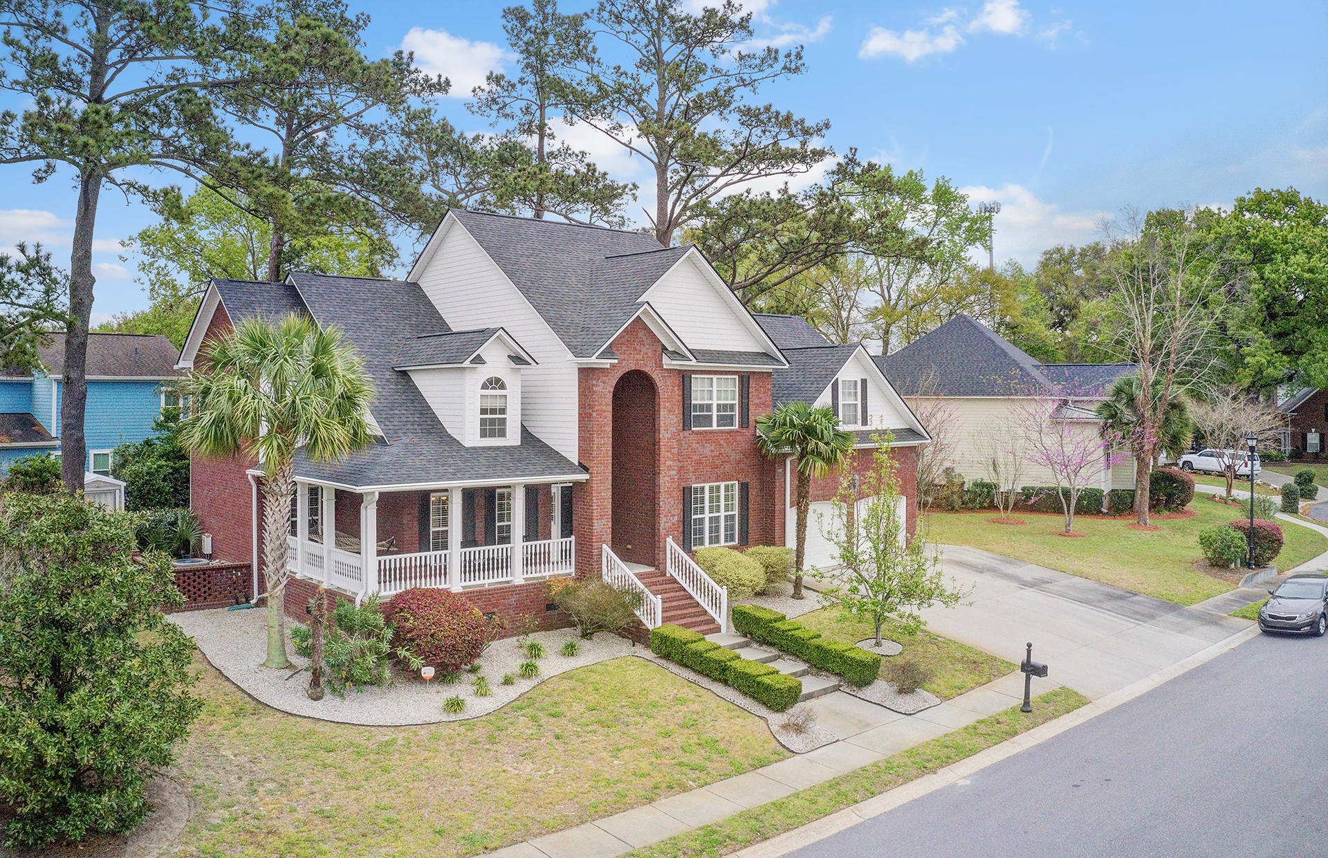 5044 Spaniel Drive North Charleston, SC 29405