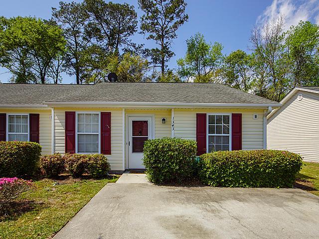 1343 Pinnacle Lane Charleston, SC 29412