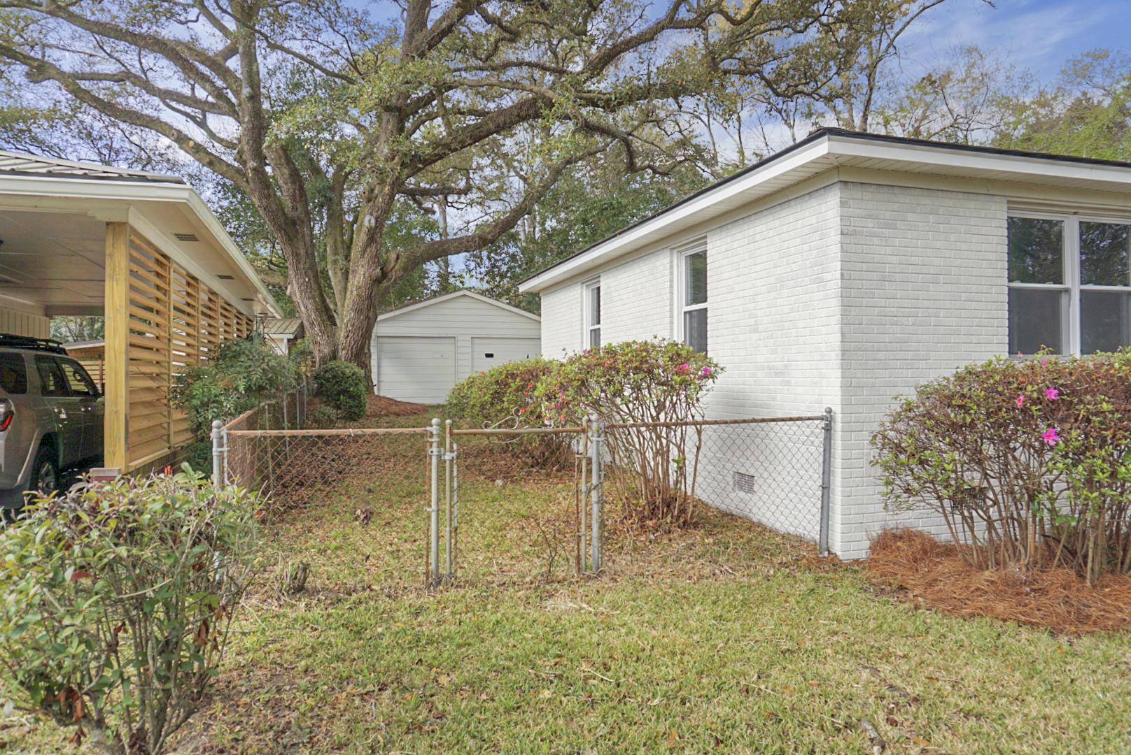 5107 Temple Street North Charleston, SC 29405