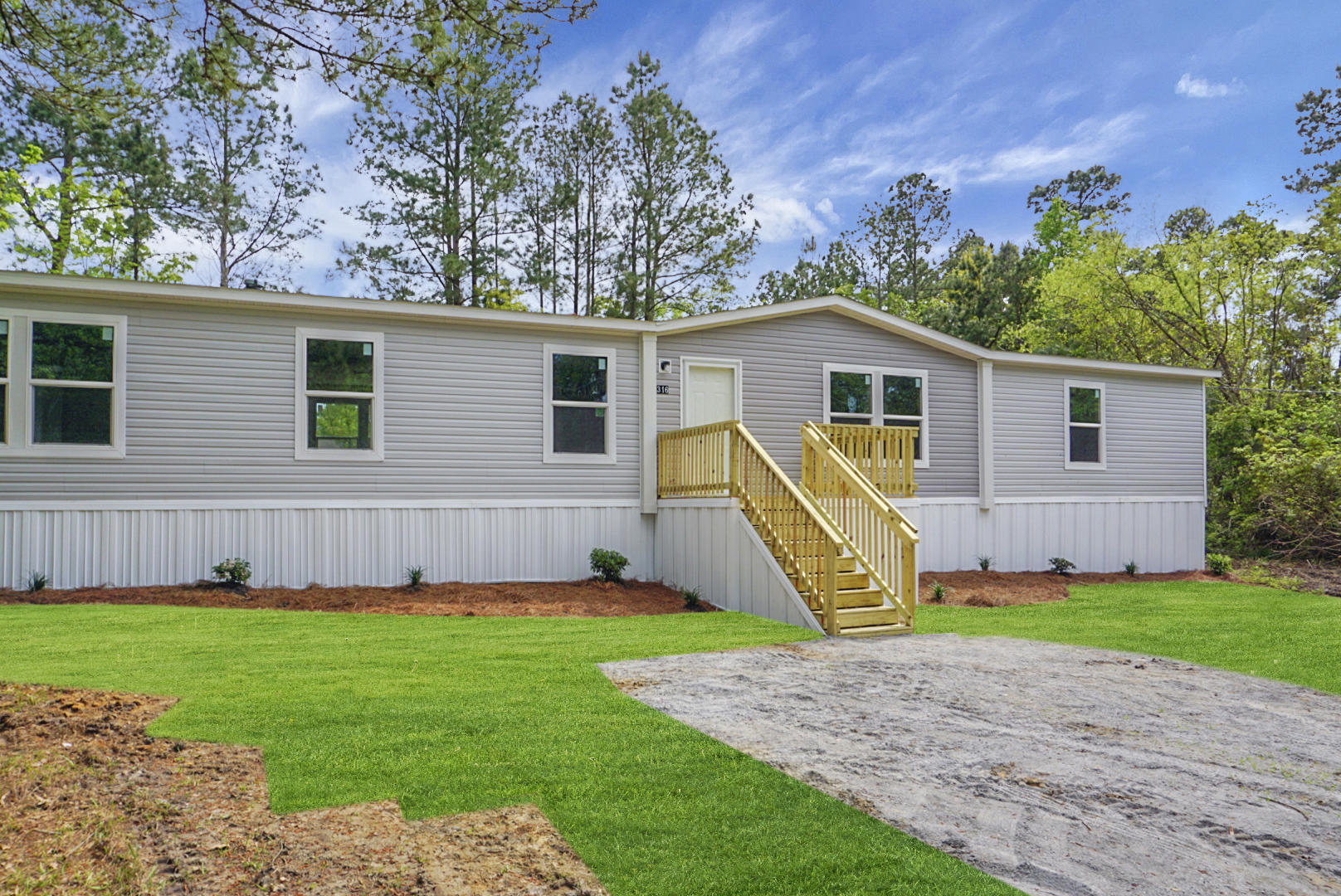 316 General Moultrie Drive Bonneau, Sc 29431