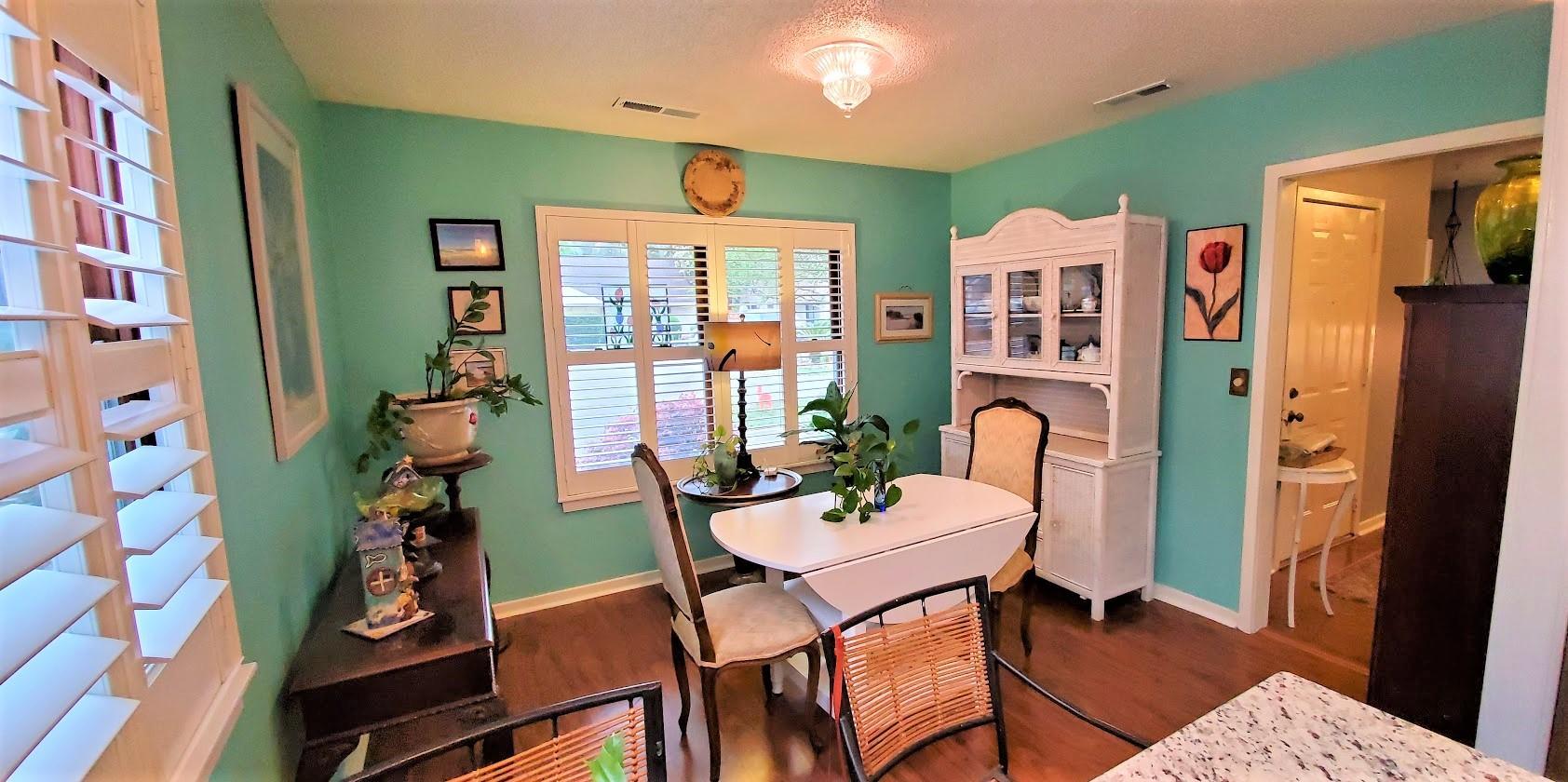 Snee Farm Homes For Sale - 1123 Honeysuckle, Mount Pleasant, SC - 18