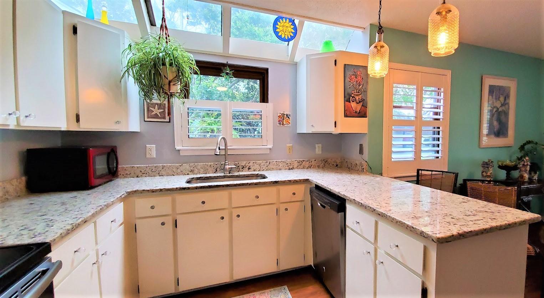 Snee Farm Homes For Sale - 1123 Honeysuckle, Mount Pleasant, SC - 8