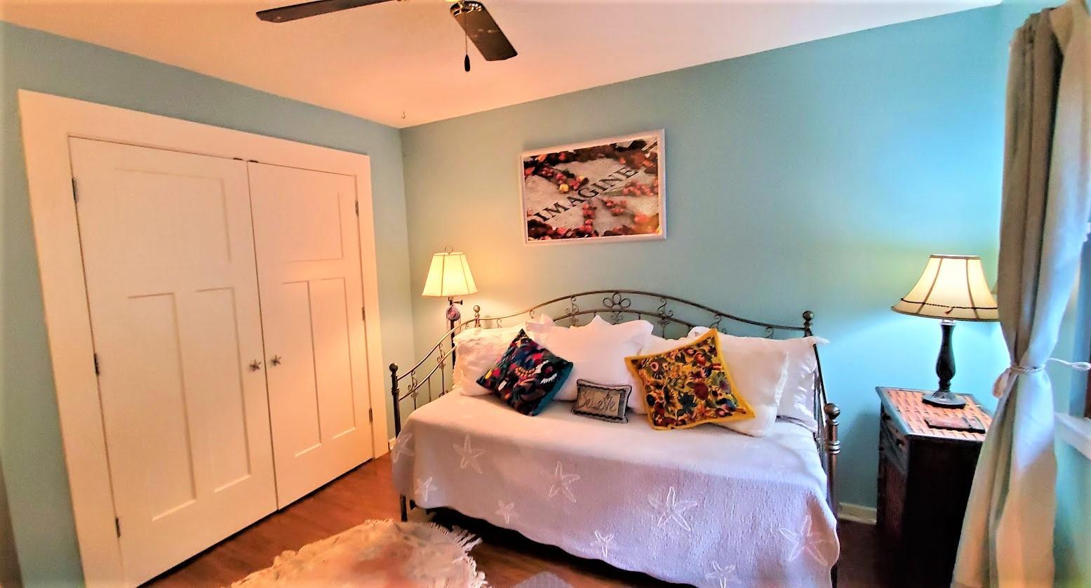 Snee Farm Homes For Sale - 1123 Honeysuckle, Mount Pleasant, SC - 2