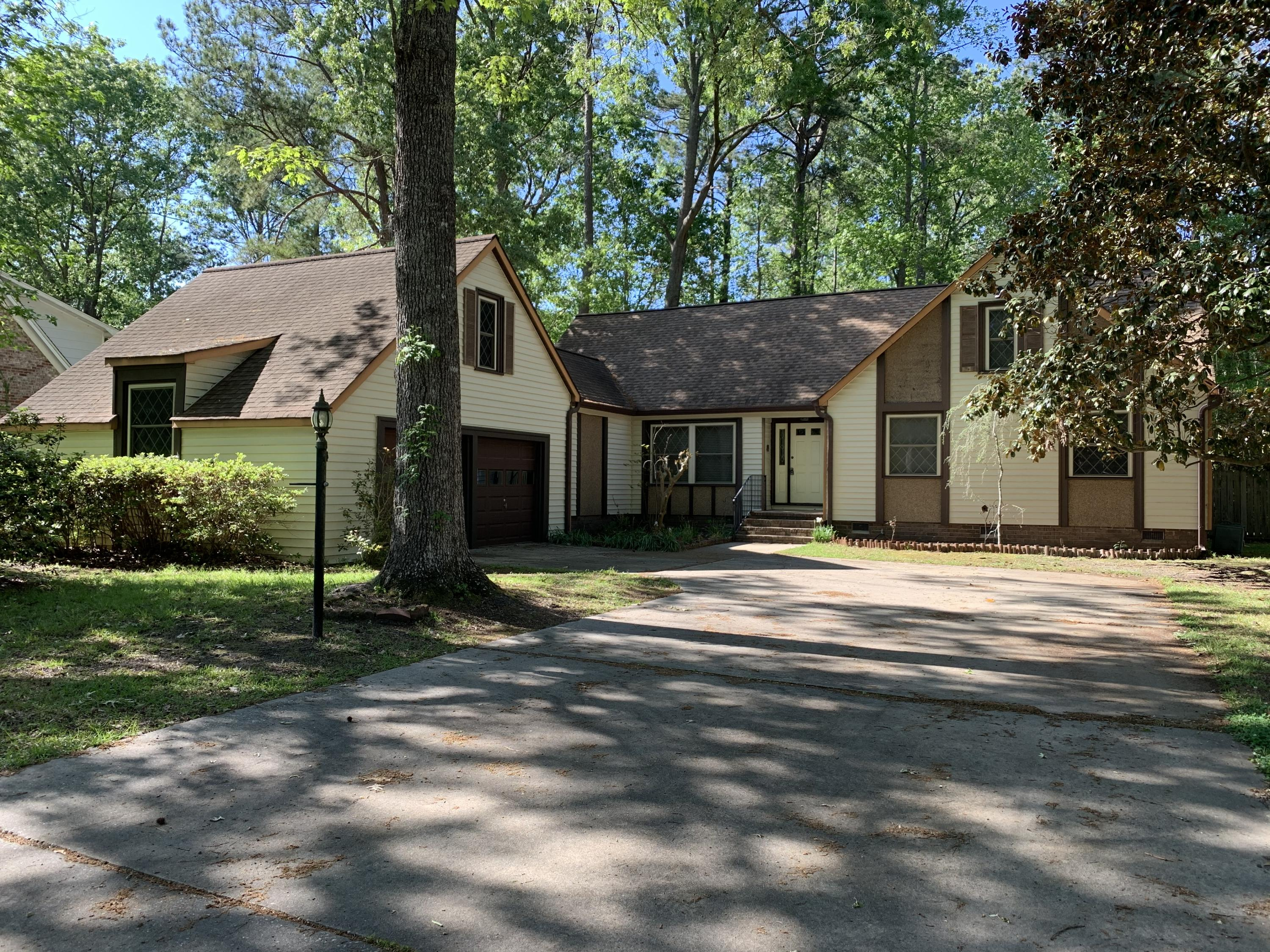 215 Sweetbriar Road Summerville, SC 29485