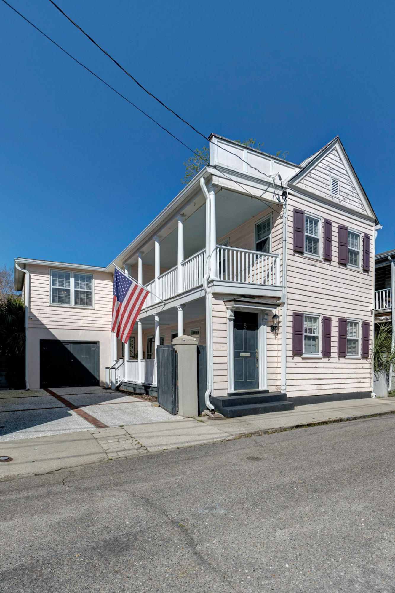 5 Sires Street Charleston, SC 29403