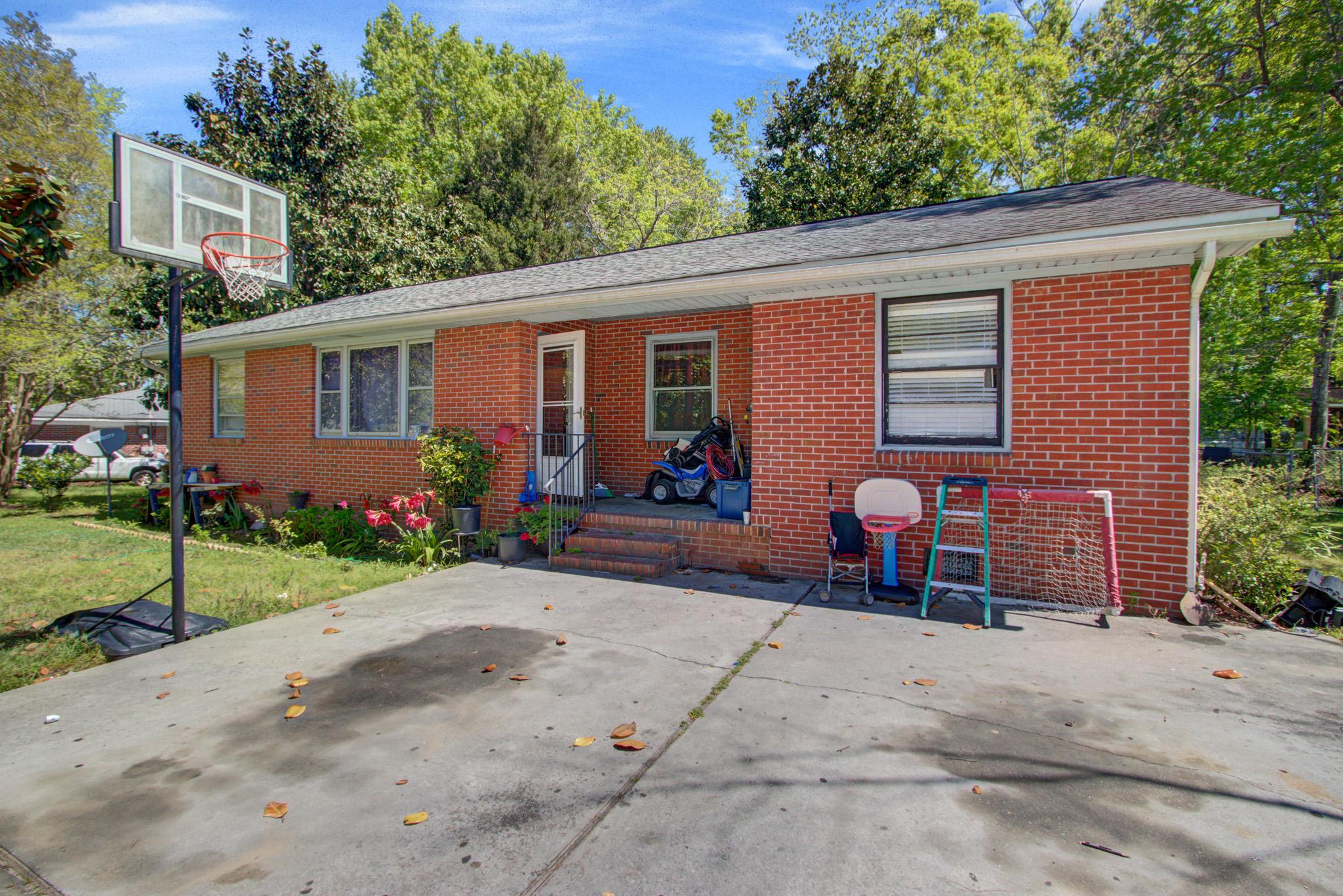 6948 S Kenwood Drive North Charleston, SC 29406