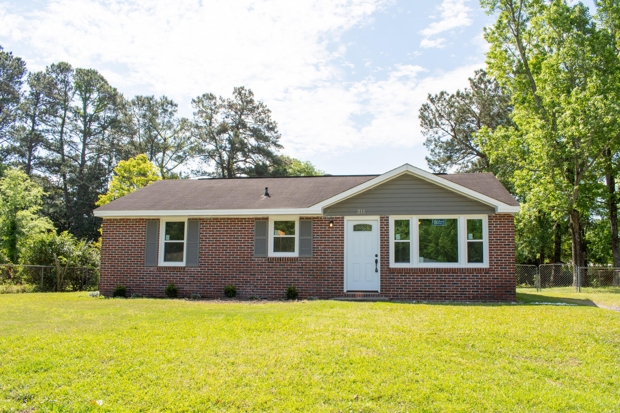 211 Laurel Avenue Goose Creek, SC 29445