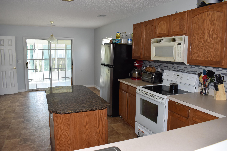 529 Holiday Drive Summerville, SC 29483