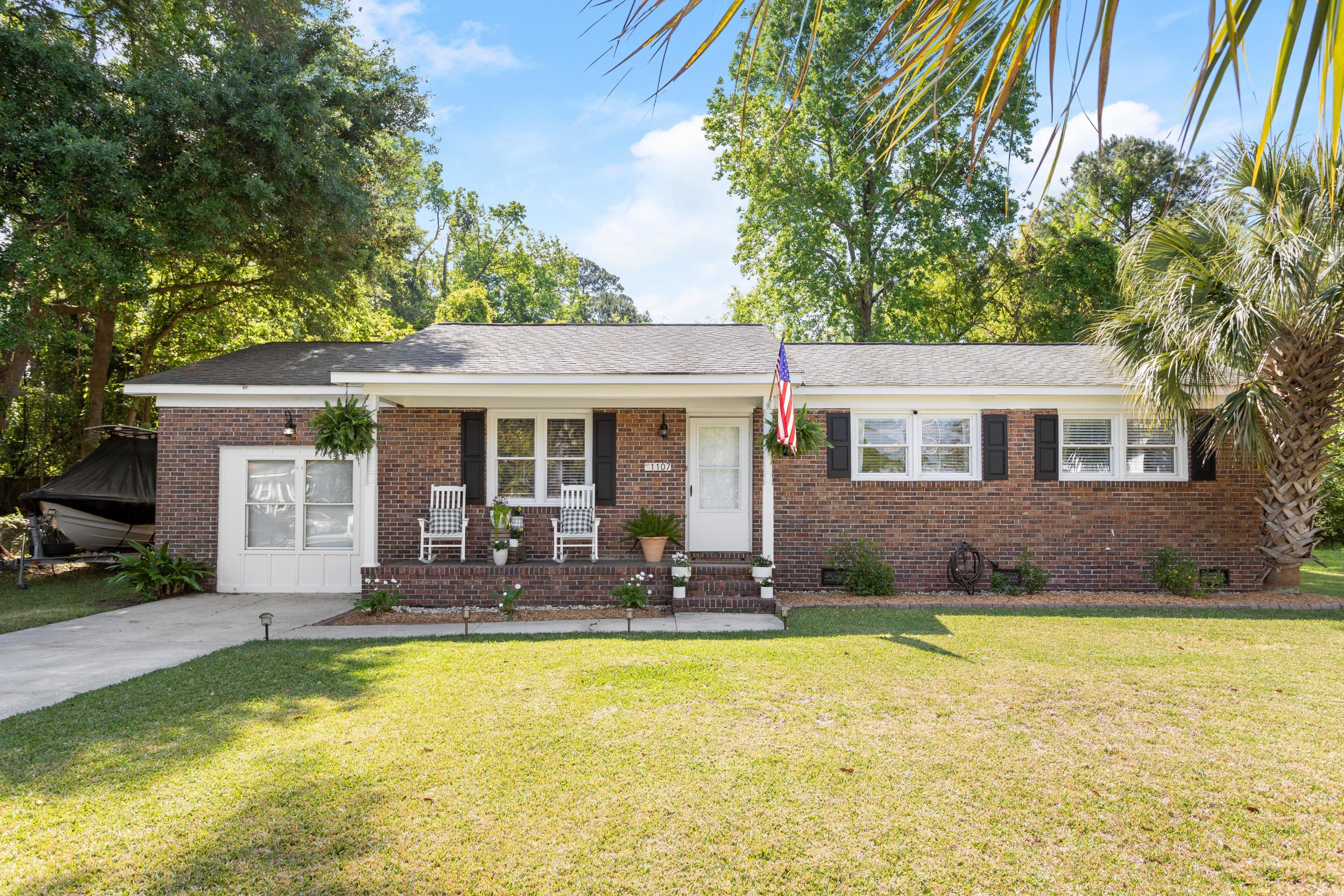 1107 Shadow Drive Mount Pleasant, SC 29464