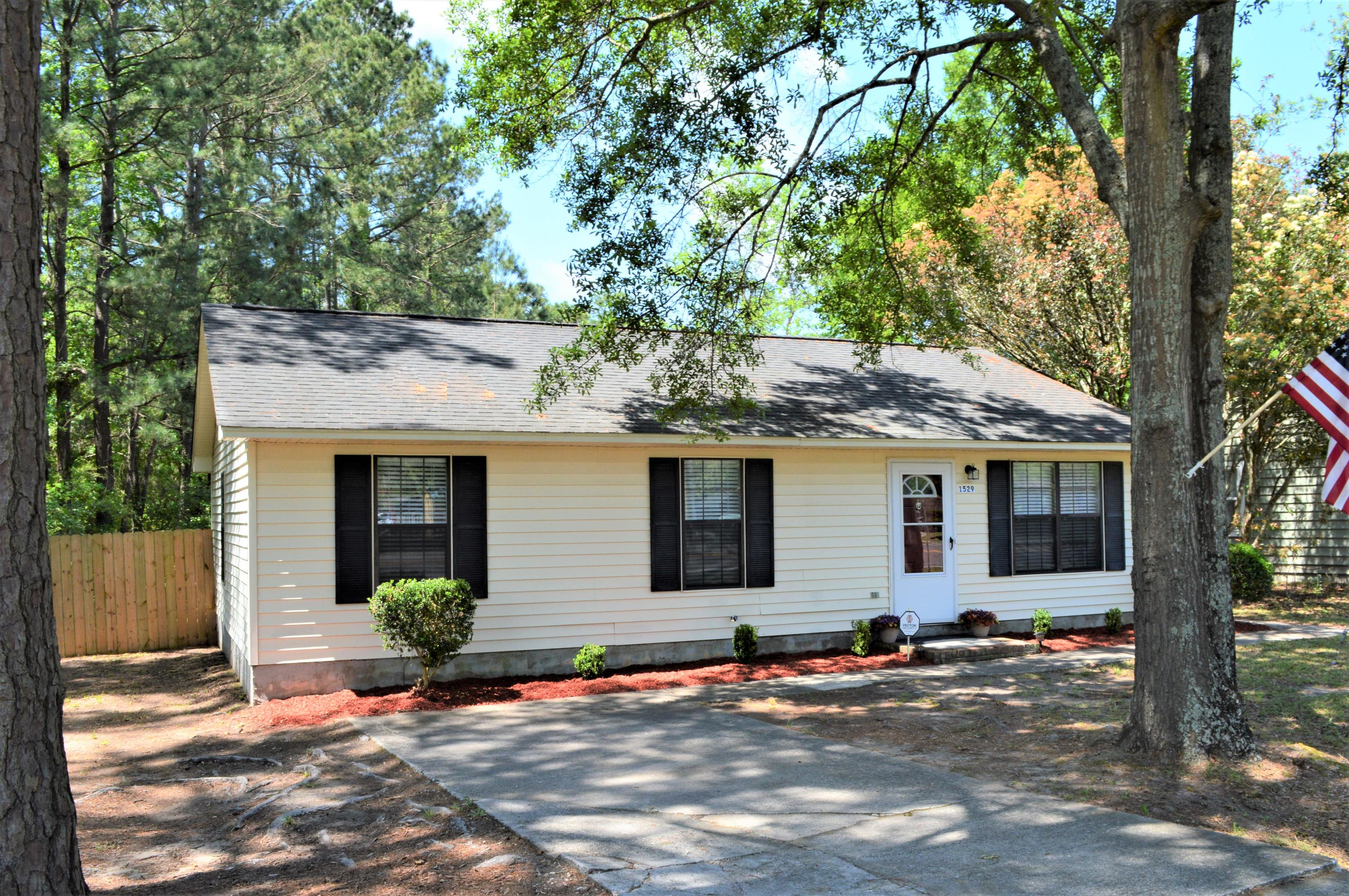 1529 Royle Road Summerville, SC 29486