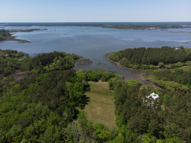 7122 Lady Elizabeth Lane Wadmalaw Island, SC 29487