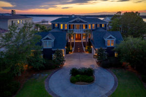 1986 Sandy Point Lane, Mount Pleasant, SC 29466