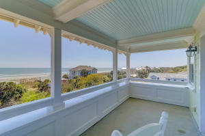 318 W Ashley Avenue, Folly Beach, SC 29439