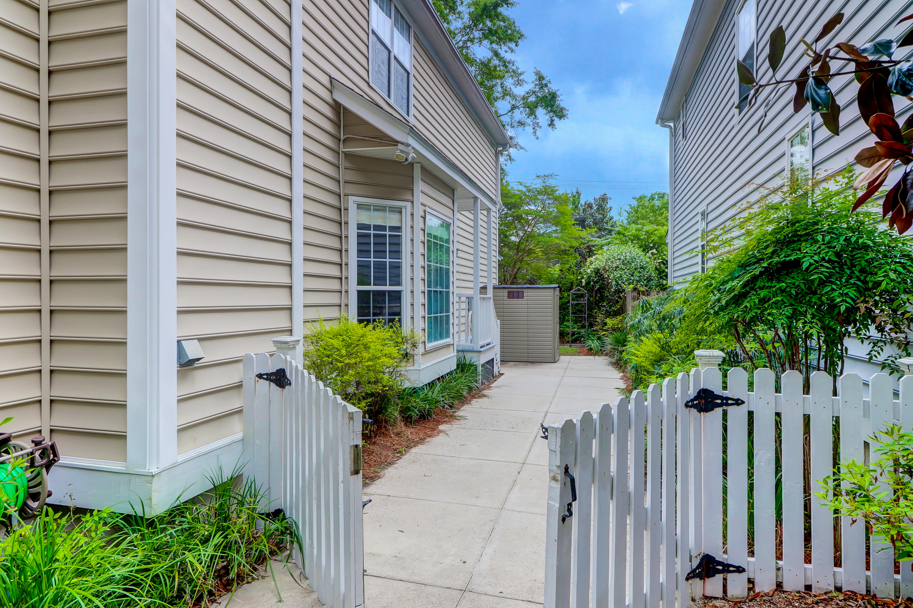 Queens Row Homes For Sale - 1057 Mathis Ferry, Mount Pleasant, SC - 5