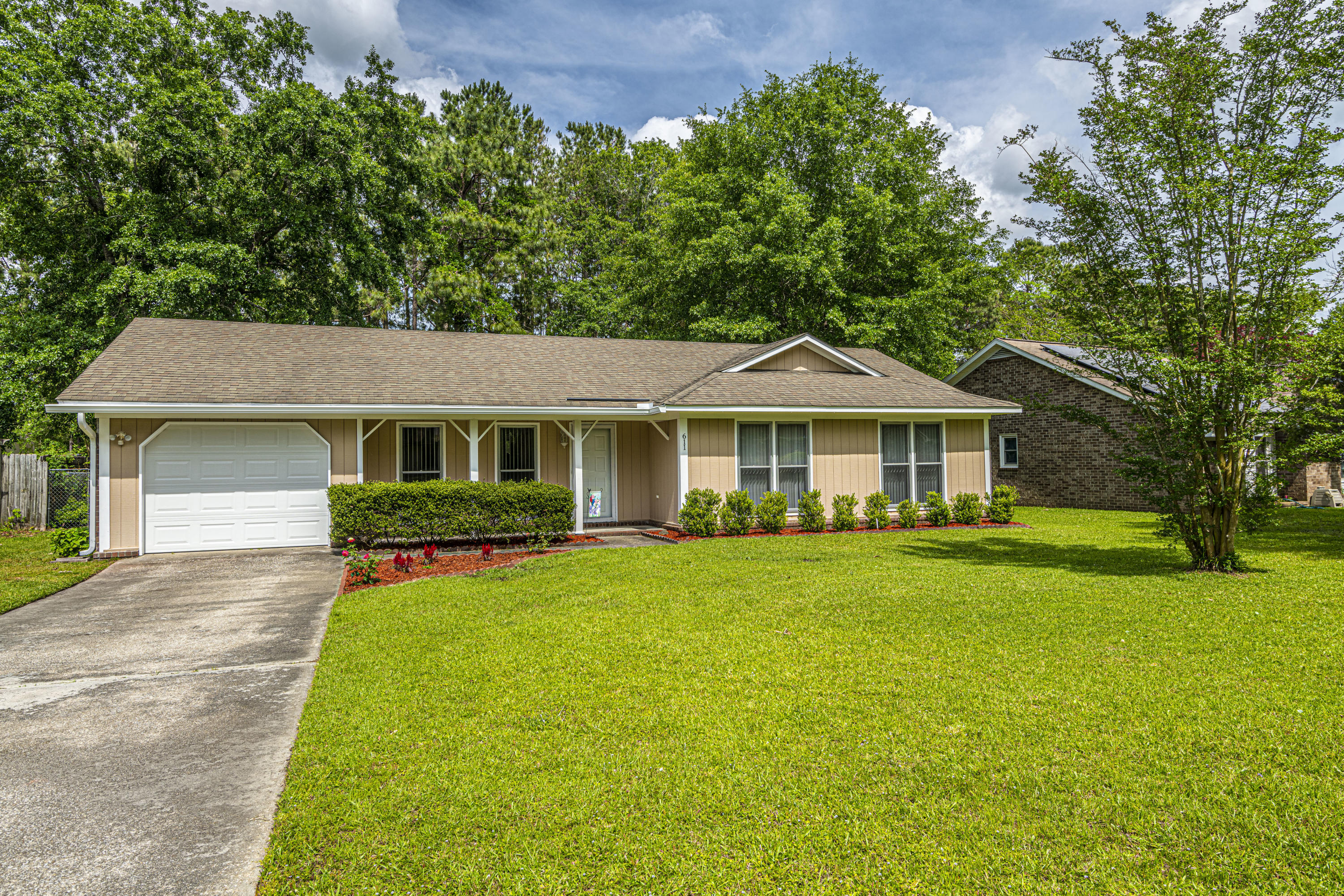 611 Longleaf Road Summerville, SC 29486