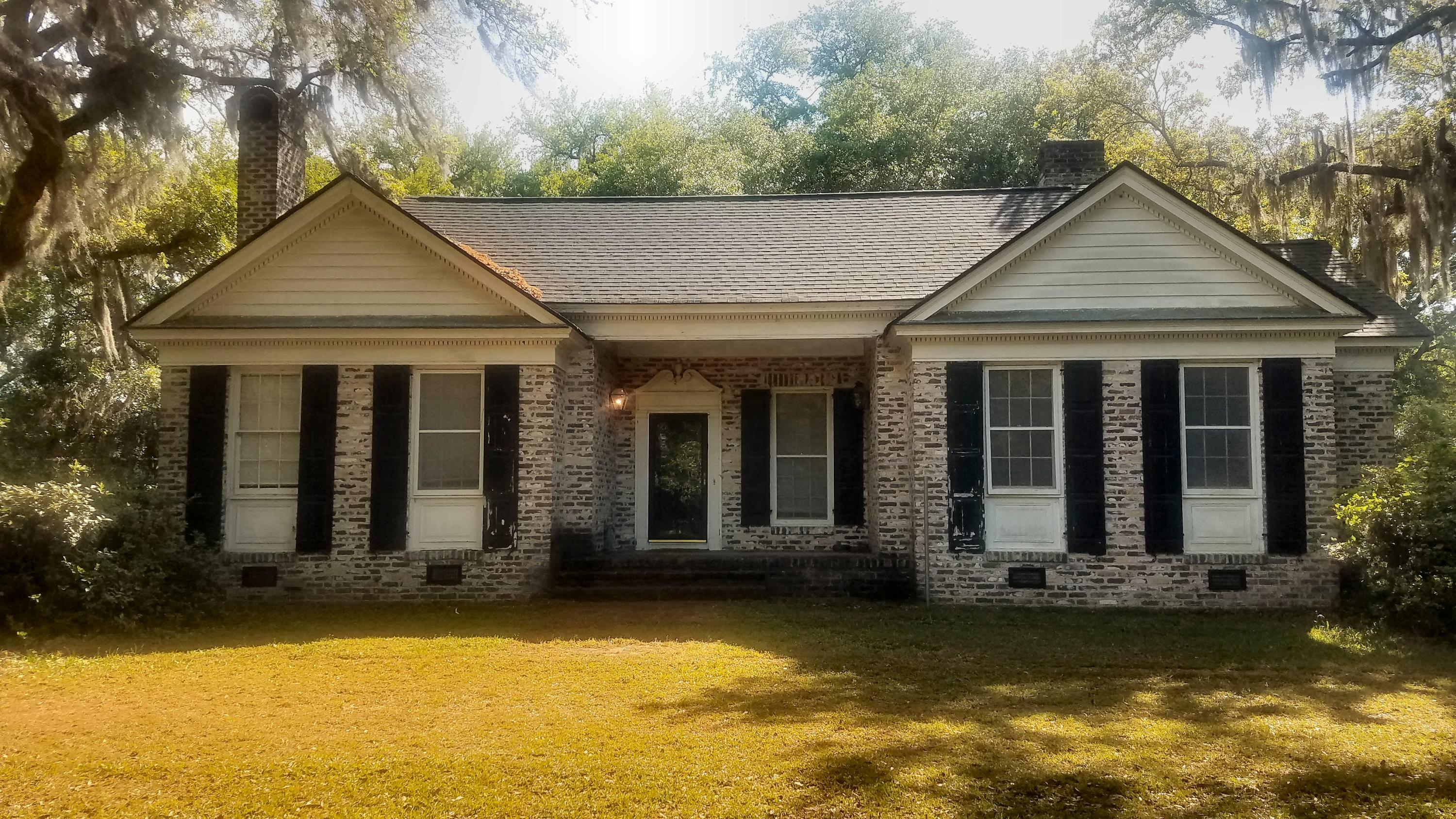 4970 Gibson Road Meggett, SC 29449