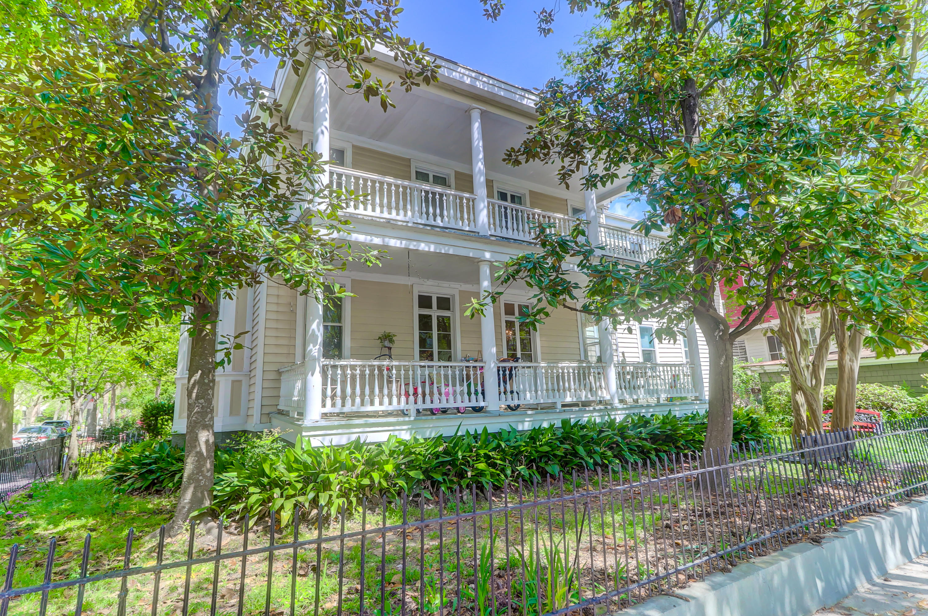 98 Ashley Avenue Charleston, SC 29401