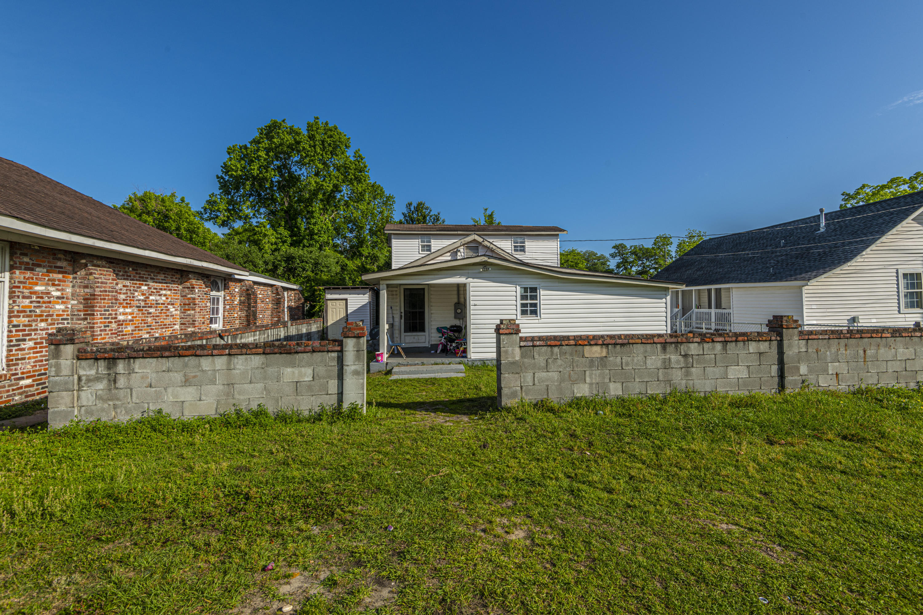 5829 Longleaf Avenue North Charleston, SC 29406