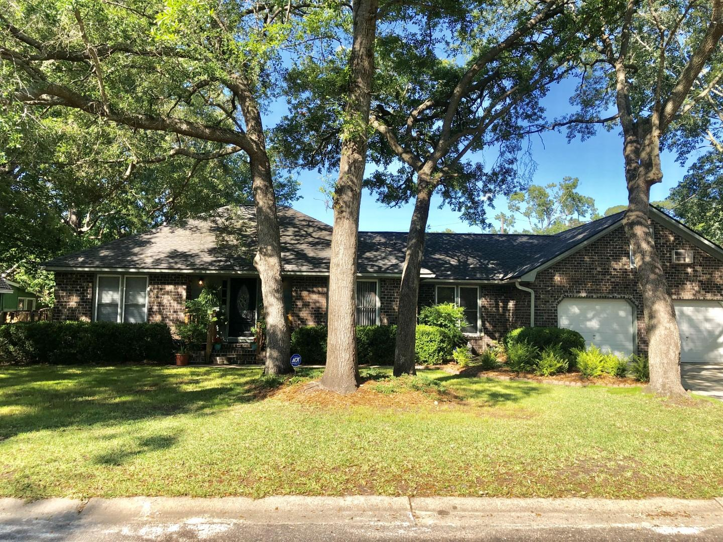 6 Hunters Forest Drive Charleston, SC 29414