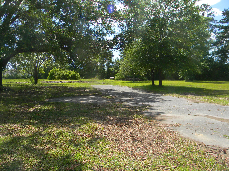 645 W Butternut Road Summerville, SC 29483