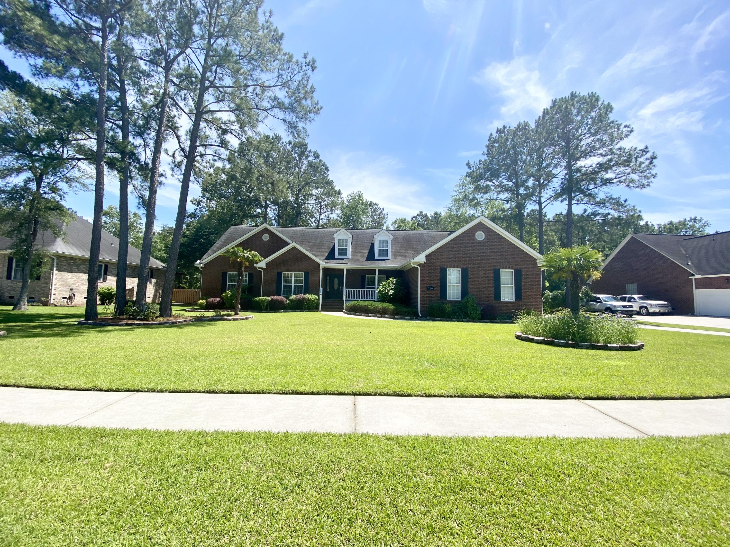 710 Hamlet Circle Goose Creek, SC 29445