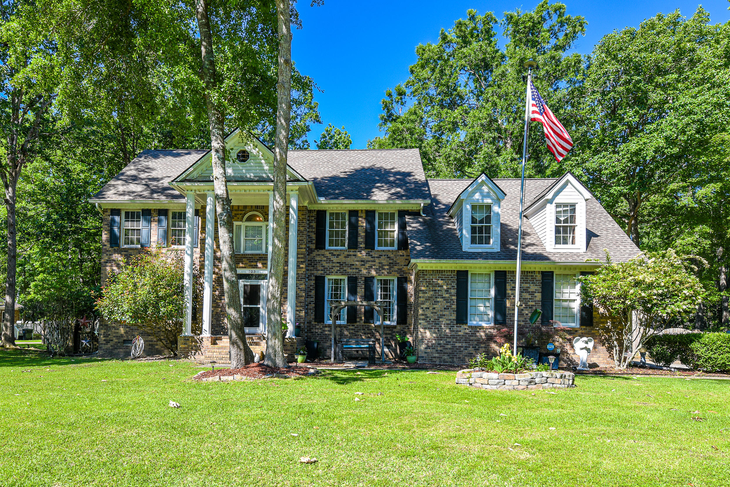 123 Huckleberry Lane Summerville, SC 29485