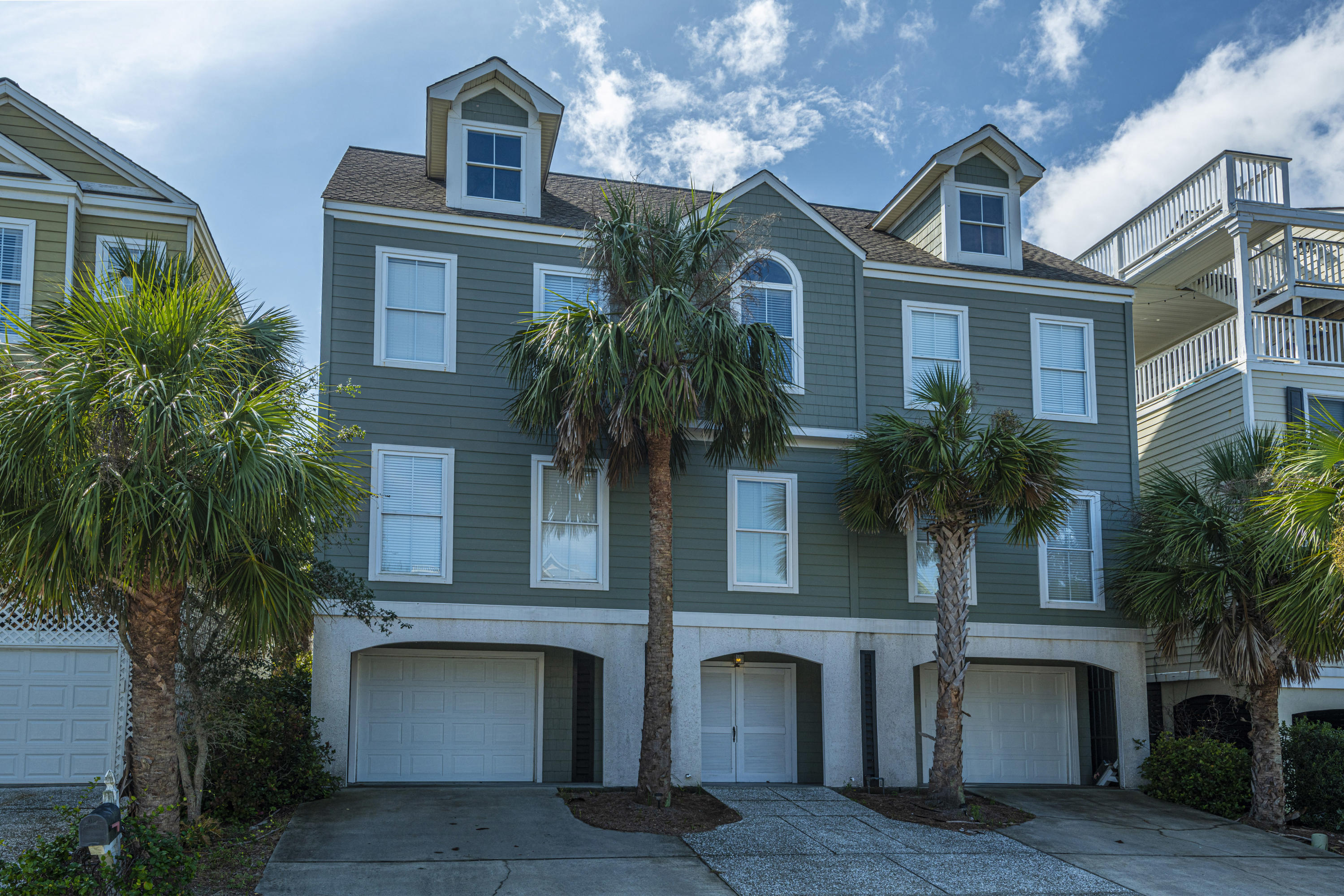 2 Summer Dunes Lane Isle Of Palms, SC 29451