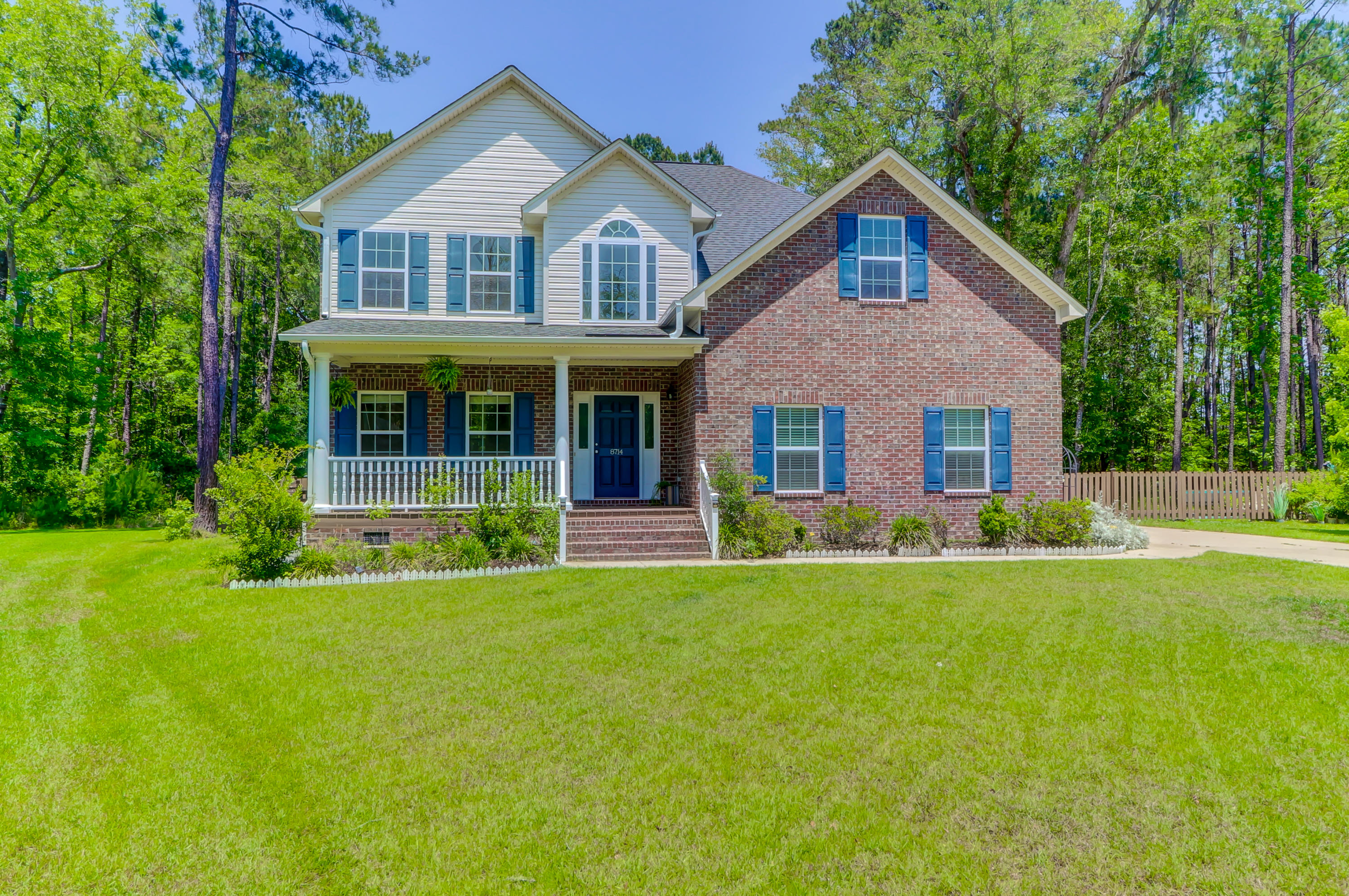 8714 Dover Creek Street North Charleston, SC 29420