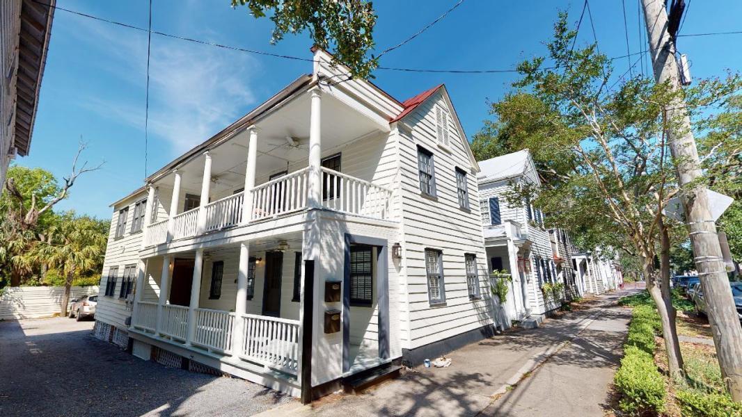 39 Elizabeth Street Charleston, SC 29403