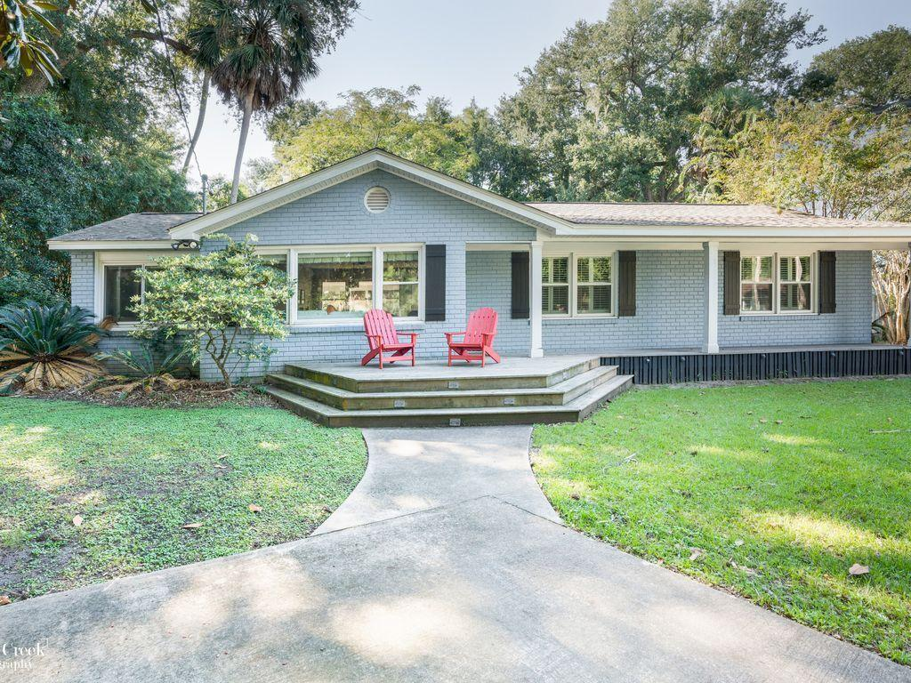 27 31st Avenue Isle Of Palms, SC 29451