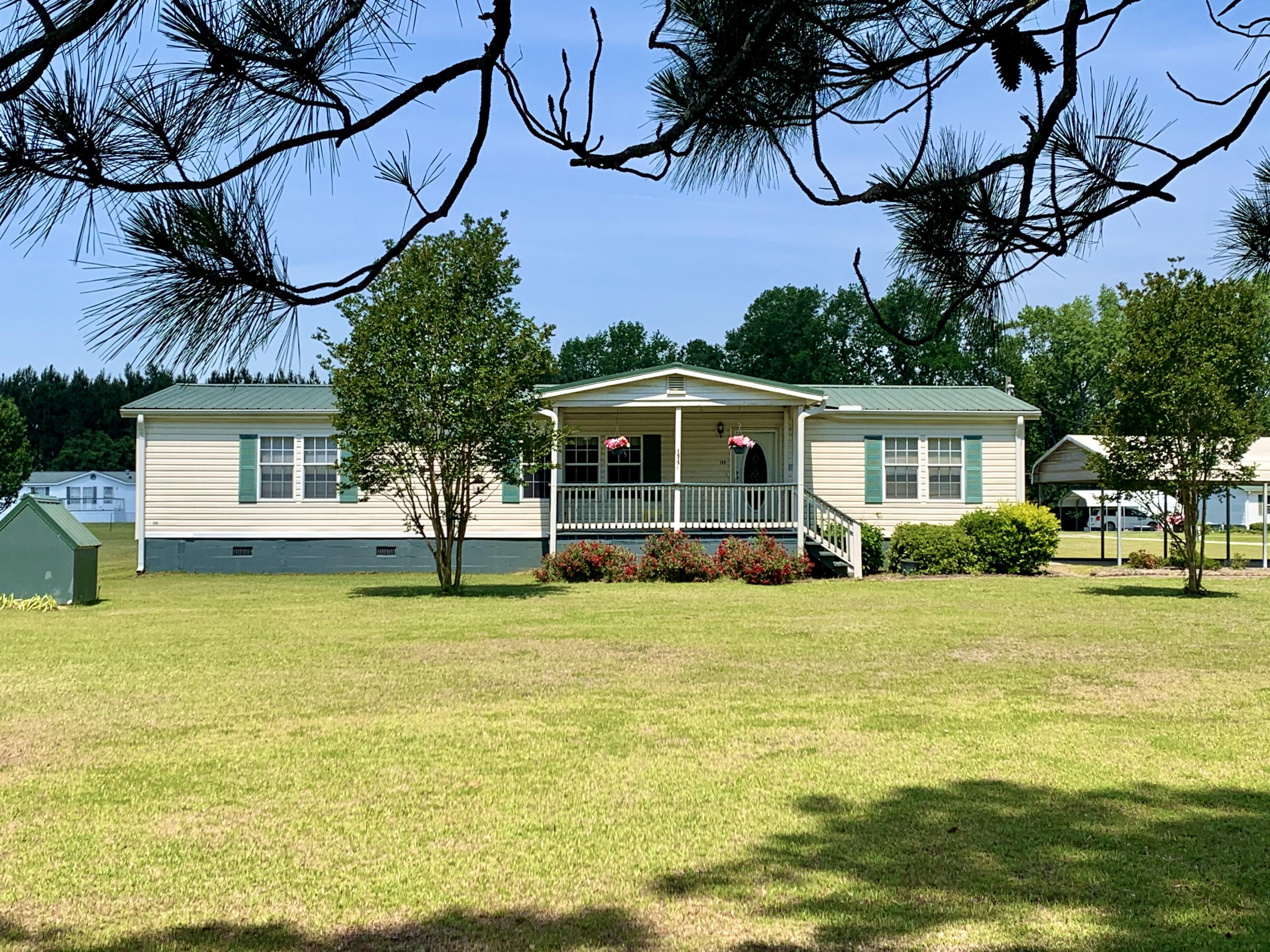 158 Wagon Trail Road Ridgeville, SC 29472