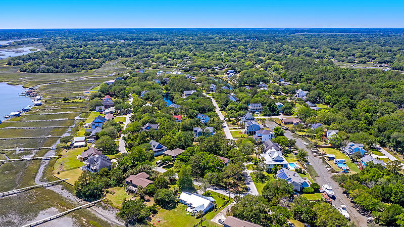 Lighthouse Point Homes For Sale - 575 Lynne, Charleston, SC - 9