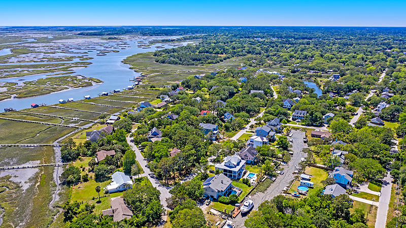Lighthouse Point Homes For Sale - 575 Lynne, Charleston, SC - 2