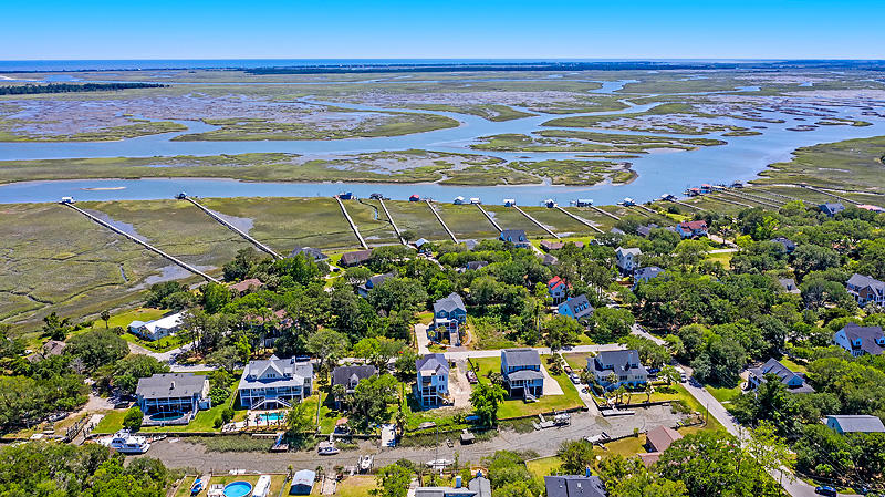 Lighthouse Point Homes For Sale - 575 Lynne, Charleston, SC - 1