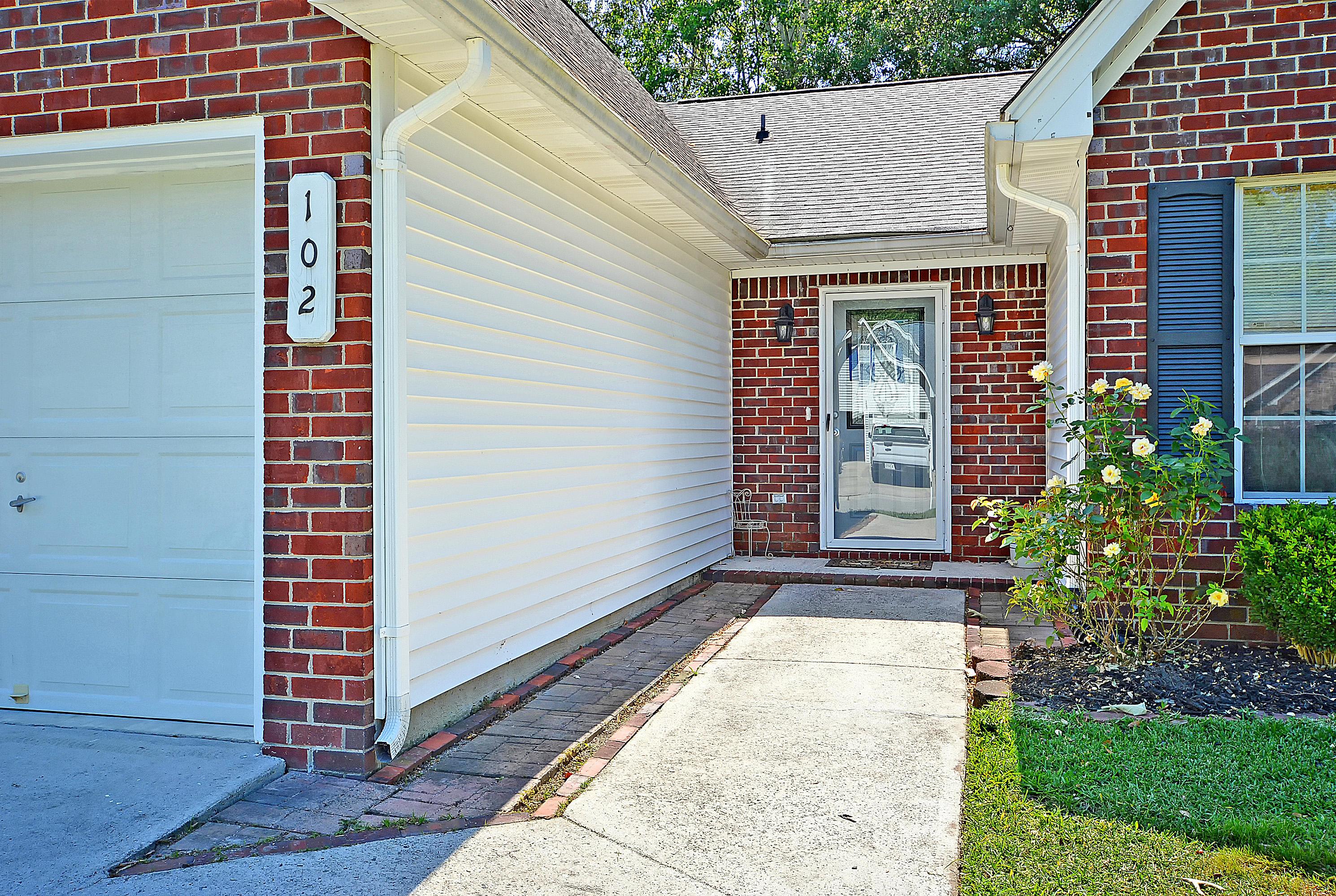 102 Landau Road Summerville, SC 29485