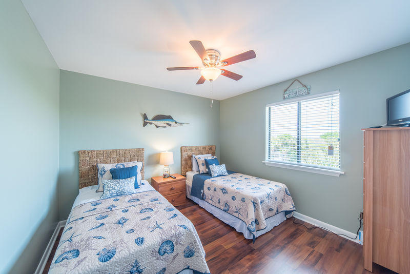 Mariners Cay Homes For Sale - 15 W Mariners Cay, Folly Beach, SC - 15